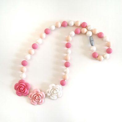 collana-allattamento-fiori-rosa
